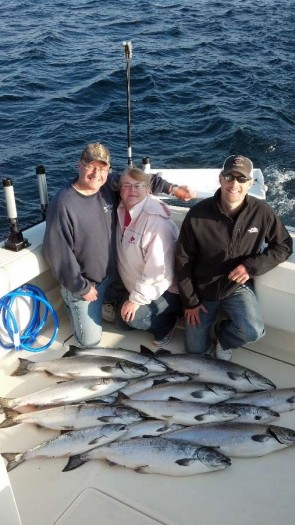 lake michigan door county salmon fishing sturgeon bay wisconsin